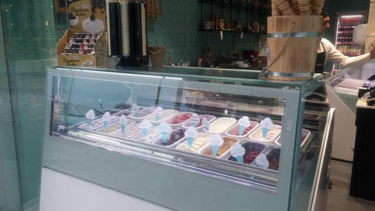 art dondurma vitrini mado